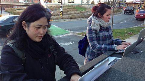 Vancouverites write letters of support to save the Rainier program. (Photo: Carlos Tello)
